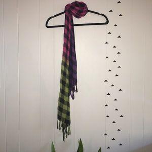 Accessories - Checkered scarf EUC super soft